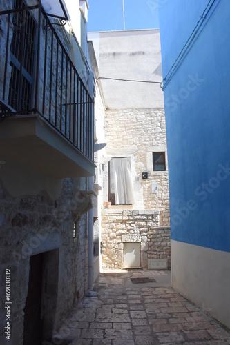 Fotobehang Smalle straatjes Casamassima, centro storico