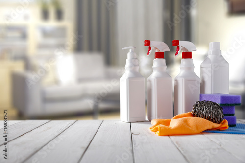 cleaning table