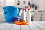 cleaning table - 169831772