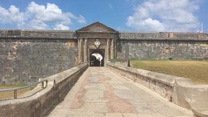 entrada hacia la fortaleza
