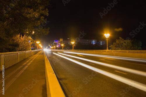Fotobehang Nacht snelweg night traffic the Sochi