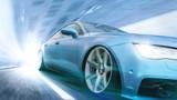 Schnelles Auto in futuristischer Szene