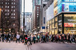 michigan ave crowds cross street - 169985742