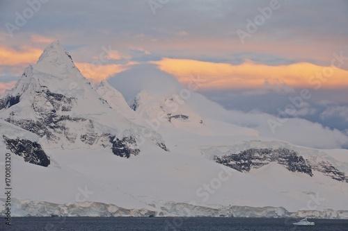 Fotobehang Antarctica Antarctica Antarctic peninsula