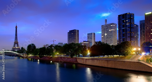 Fotobehang Eiffeltoren Parisian cityscape in morning