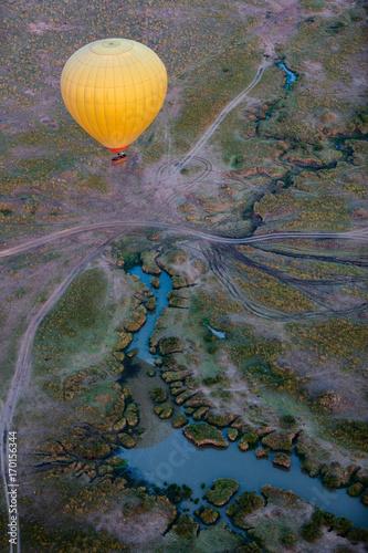 Papiers peints Cappuccino Hot air balloon in Africa