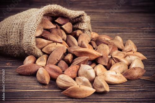 Pili nuts - 170176567