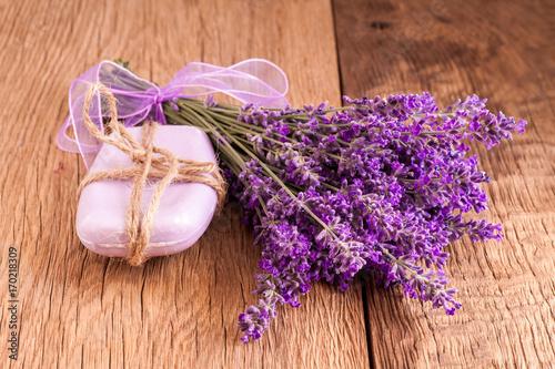 Tuinposter Lavendel Lavander and soap