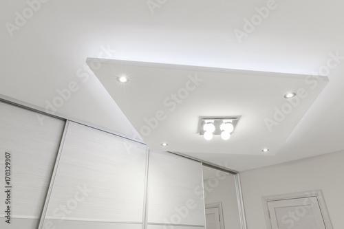 decorative ceiling with lighting