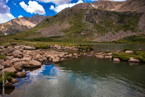 Fotobehang Cappuccino Colorado Mountain Lake Panorama in the Rocky Mountains Glacier lake, USA.