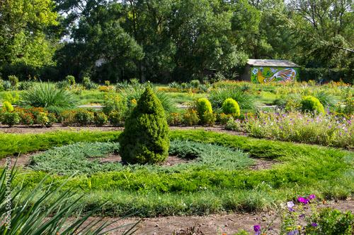 Fotobehang Tuin Colorful landscaped formal garden