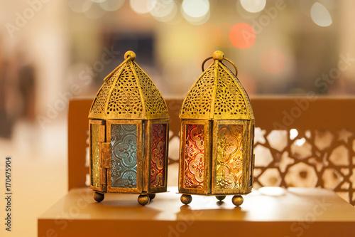 Aluminium Abu Dhabi Traditional arabic lanterns lit up in Ramadan