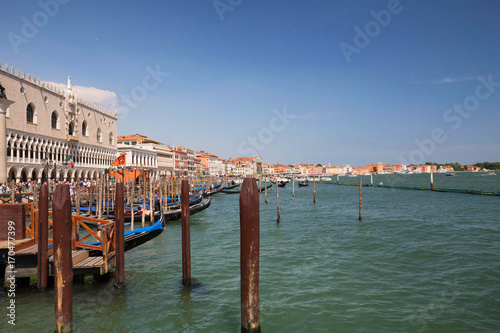 Papiers peints Venise Venice / view of the river canal and traditional venetian architecture