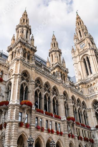 Foto op Canvas Wenen Towers of Vienna City hall, Austria