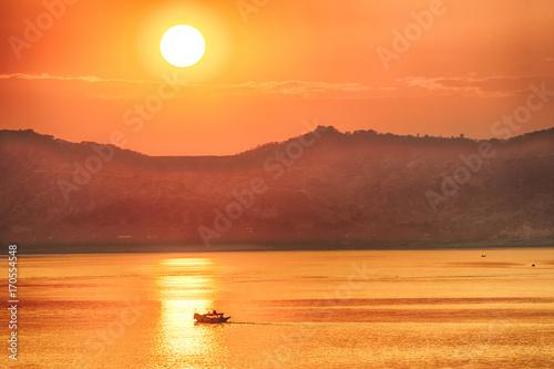 Aluminium Fyle Sunset over Irrawaddy