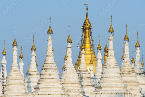 Aluminium Fyle White Kuthodaw Pagoda