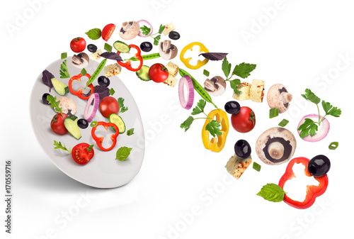 Aluminium Kersen White plate with salad in flight: tomato, mushrooms, cheese, olives, grilled peppers, peas and greens.
