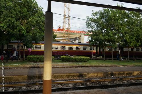 Fotobehang Spoorlijn 20170727バンコク