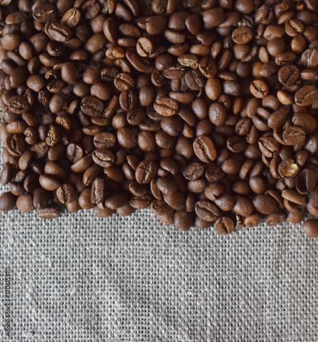 Papiers peints Café en grains coffee beans are roasted