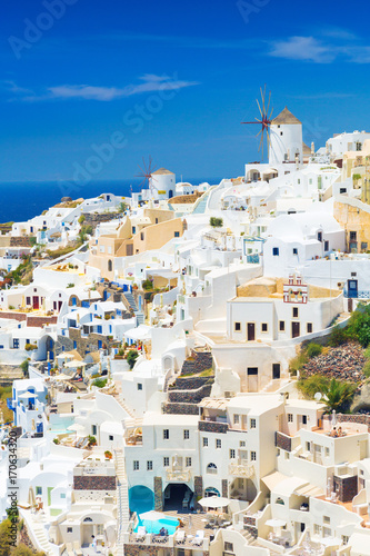 Papiers peints Santorini View of Oia the most beautiful village of Santorini island in Greece.