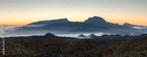 Foto op Plexiglas Panoramafoto s Sunset Over Piton Des Neiges, La Reunion, France