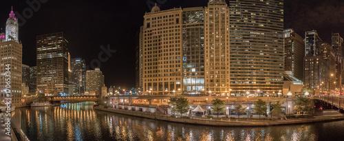 Fotobehang Chicago Chicago riverfront pano