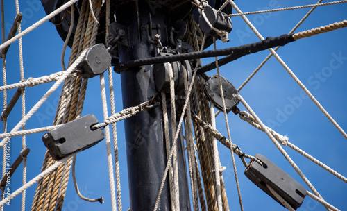 Fotobehang Schip Cordage bateau Nao Victoria La Rochelle France