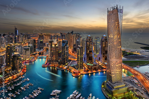 Staande foto Dubai Dubai Marina Bay