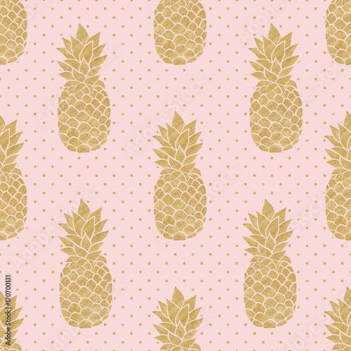bezszwowy-wzor-z-zlocistymi-ananasami-na-polki-kropki-tle-rozowy-i-zloty-wzor-ananasa-lato-tropikalny-tlo