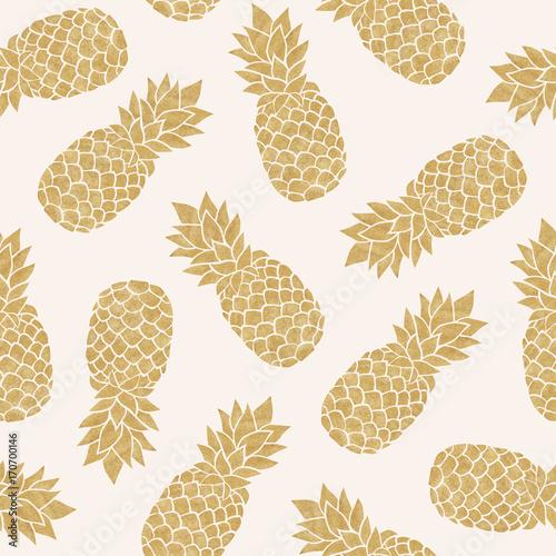 bezszwowy-wzor-z-zlocistymi-ananasami-lato-tropikalny-tlo