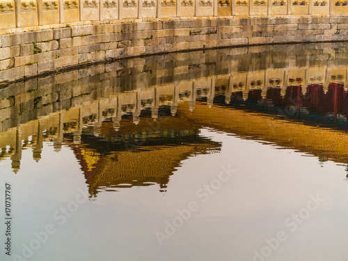 Papiers peints Pekin Reflection of Chinese building in moat at the Forbidden City
