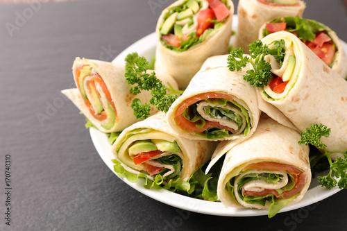 sandwich wrap - 170748310
