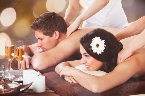 Aluminium Spa Young Couple Getting Shoulder Massage