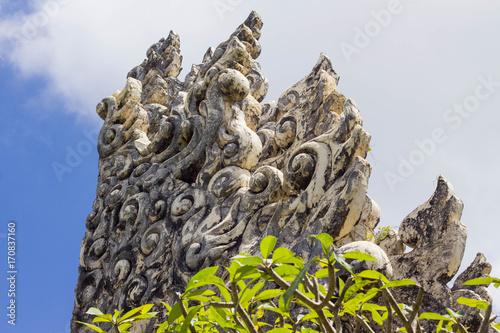 Papiers peints Bali Balinese architecture / Part of Hindu gate in Bali