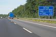 Entfernungstafel auf Autobahn 45 vor Hagen in Richtung Frankfurt, Siegen, Hagen, Arnsberg (Hinweistafel grafisch leicht aufbereitet)