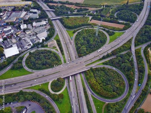 Foto op Canvas Lavendel Autobahn aus der Luft