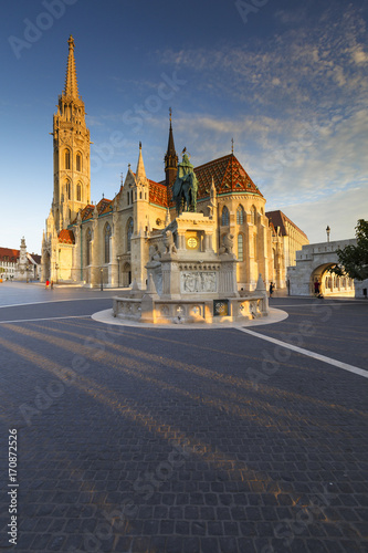 Papiers peints Budapest Morning view of Matthias church in historic city centre of Buda, Hungary.