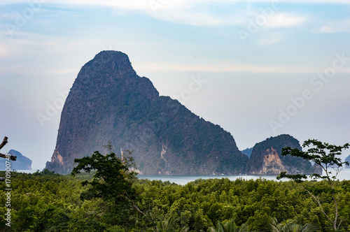 Fotobehang Thailand Thailand karst mountains view