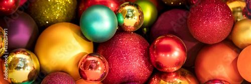 Foto op Plexiglas Panoramafoto s Banner, Header, viele bunte Glaskugeln, Weihnachtskugeln