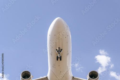 Avião se aproximando para pouso Poster