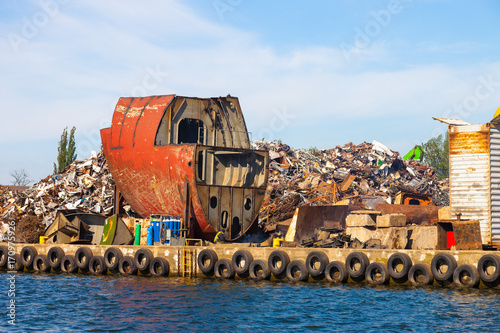 Foto op Aluminium Schip Dismantling the ship on scrap metal ready for recycling.