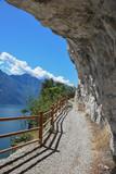 beliebte Mountainbike-Route Ponale Straße Riva mit Gardaseeblick - 171037312
