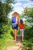 promenade et découverte avec mamn - 171064198
