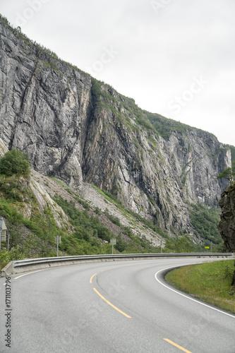 Fotobehang Khaki The Road to Eidfjord