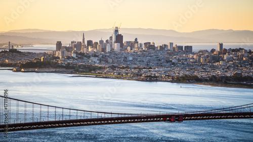 Fotobehang Bruggen golden gate bridge san francisco california west coast sunrise