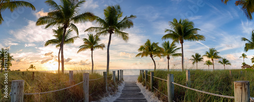 Panorama view of footbridge to the Smathers beach at sunrise - Key West, Florida. - 171138532