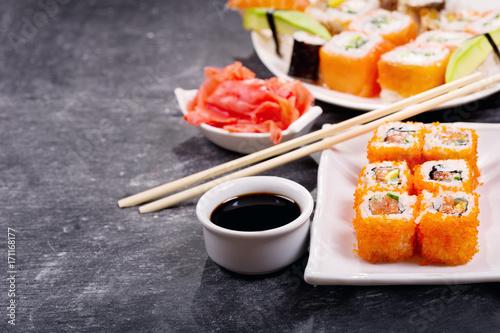 Keuken foto achterwand Sushi bar sushi rolls set