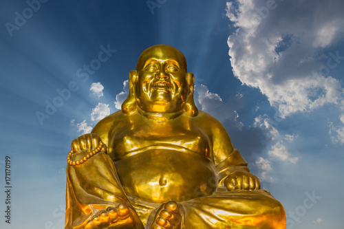 Papiers peints Buddha Buddha with amazing blue sky and ray of light
