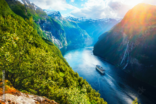 Breathtaking view of Sunnylvsfjorden fjord - 171180725