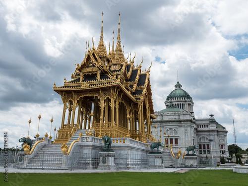 Fotobehang Bangkok Borommaha Mangkhalanusoranee Pavillion and The Ananta Samakhom Throne Hall, landmark in Thailand